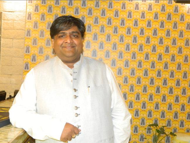 Mr Amit Aggarwal,Owner, junglee Billee