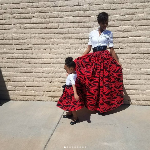 v\Mother daughter twinning, Mother daughter fashion, Same mother daughter clothes, baby fashion, mother baby fashion, mother daughter images, wallpapers, Cute mom daughter pictures