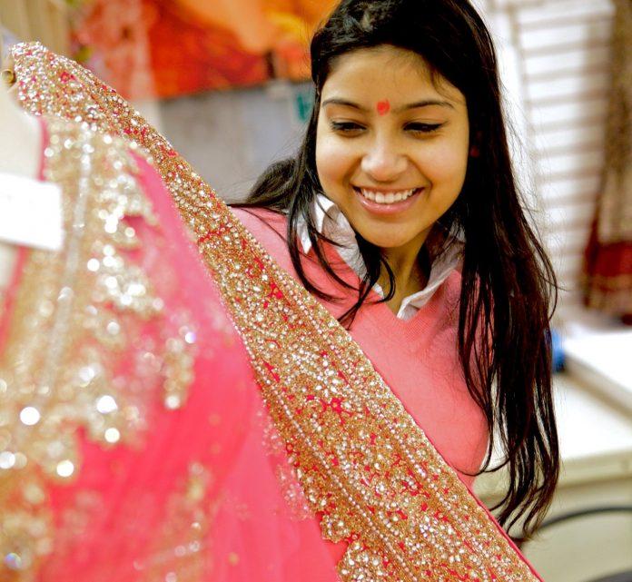Festive season, diwali looks, festive season tips, bhai dooj, shopping for festive season, what to wear this festive season.
