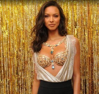 fantasy bra, fantasy lingerie, victorias secret, diamomd bra, diamond lingeries, most expensive lingerie, most expensive bra, panty, 2 million bra, 10 million bra, innerwear, underwear, Fashion Blogger India