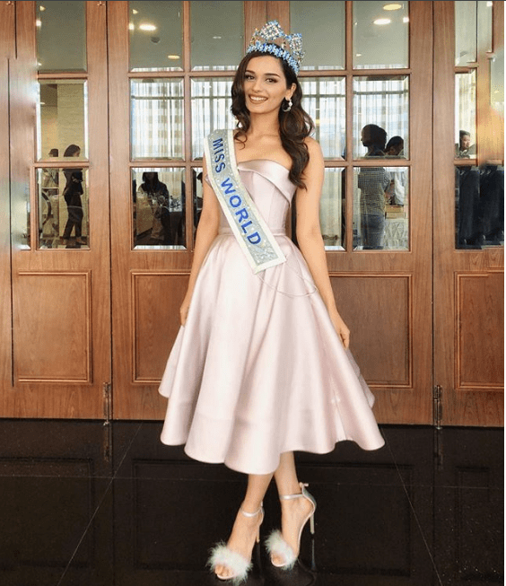 Manushi Chillar's stunning dress