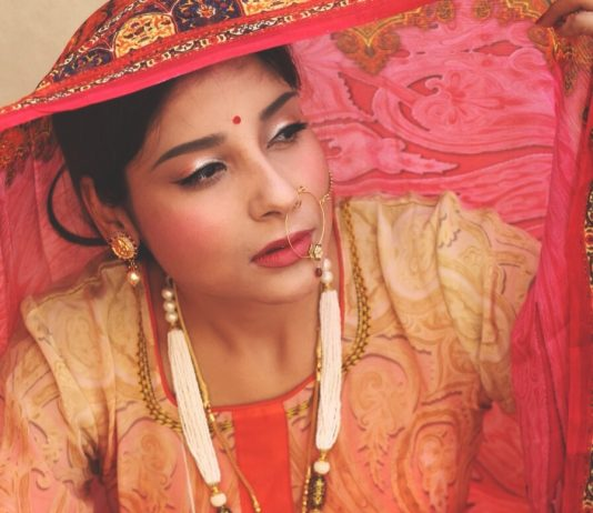 Indian Women, Crepe Dresses, Anarkali Suits, Indian Jewellery, Ritu Pandit, Oimfashion, Wishalley.com