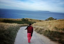 whwre is durdle door, where is lulworth cove, what is durdle door, How to reach durdle door, dorset, best beaches in the world, best beaches in england, best tourist places in england, visit England, best places to go in the world, most beautiful seaside in the world, travel bloggers Indian, Indian travel Bloggers, Ritu Pandit, Oimfashion travel